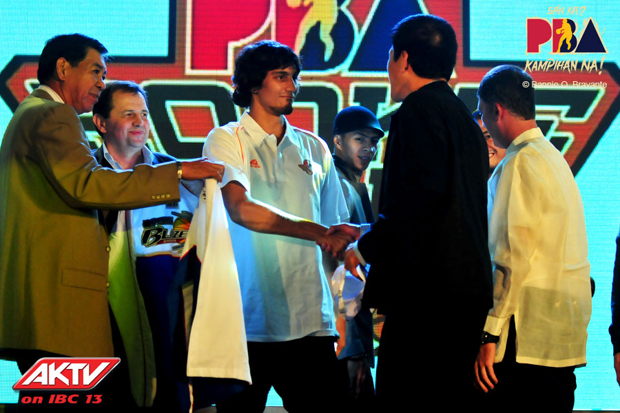 Alex Mallari Is Wowed By Alex Cabagnot's Hair