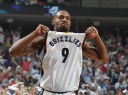 Tony Allen, masked Mike Conley help dry up Splash Brothers as Grizzlies clamp down on Warriors