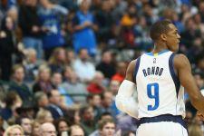 Mavericks suspend Rajon Rondo for one game
