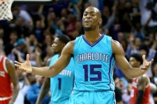 Hornets' rocky season continues with Kemba Walker needing knee surgery