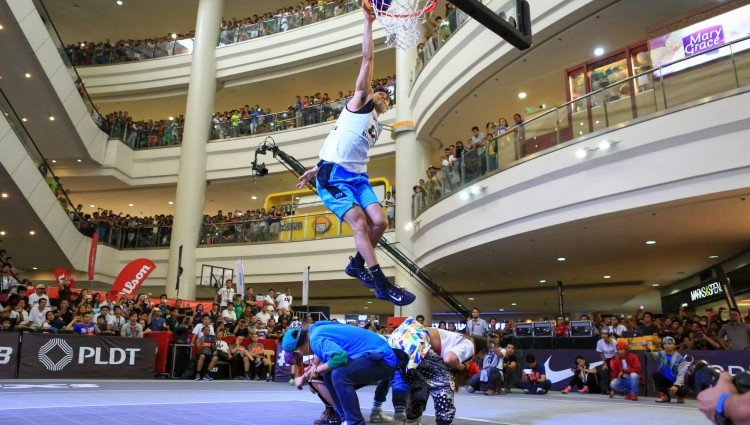 WATCH: 2015 FIBA 3×3 Manila Masters Dunk Contest sees Alapag tribute, Guevarra repeat