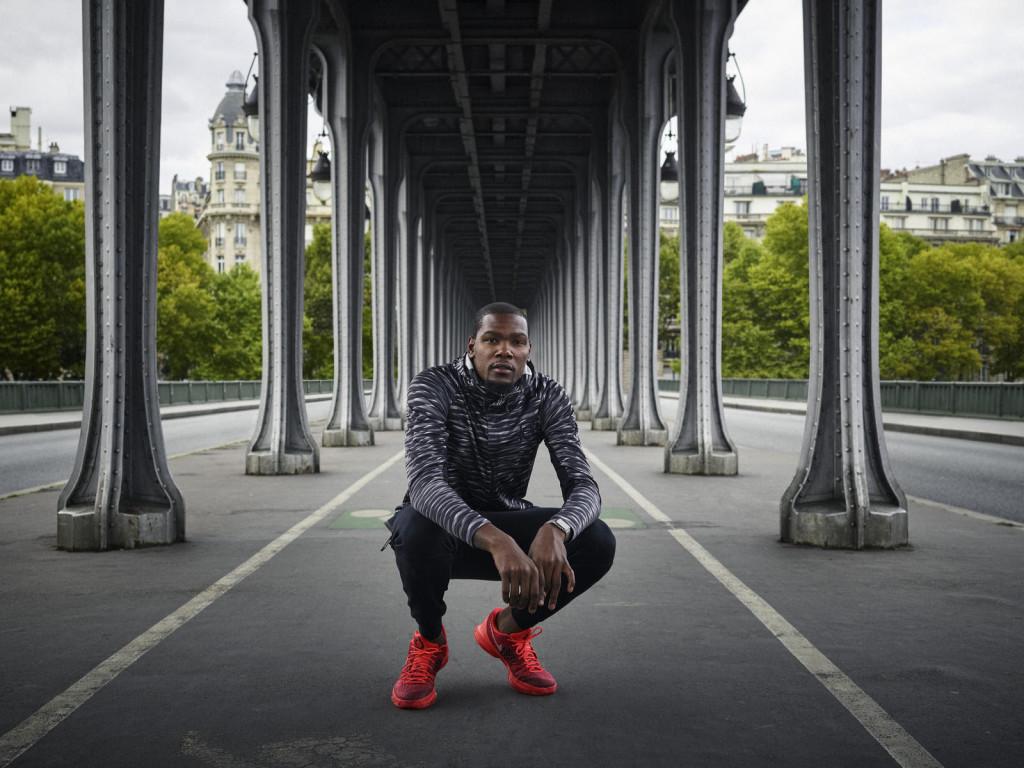 Taking charge upon arrival in Paris, Durant visits the River Seine's Bir Hakeim Bridge.