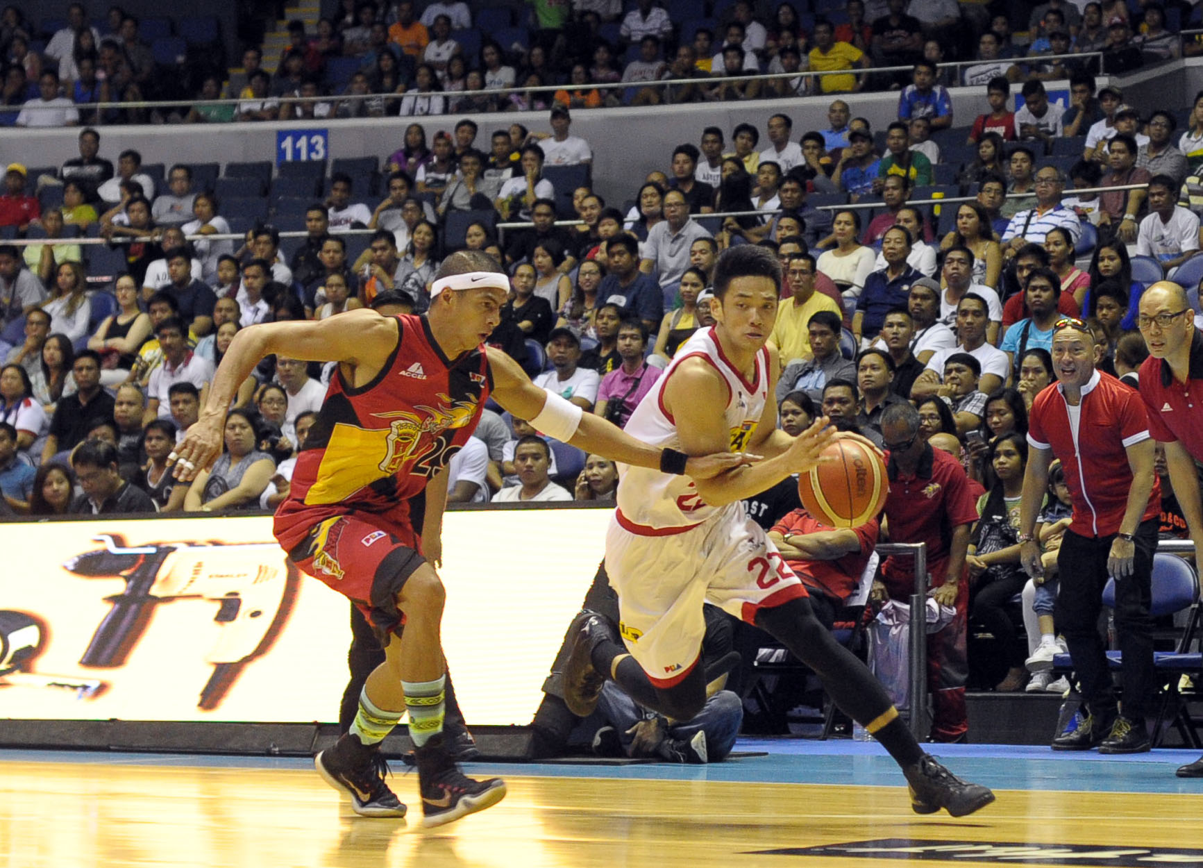 PBA - Star Hotshots vs San Miguel Beer - April 18, 2016 - KC - 1