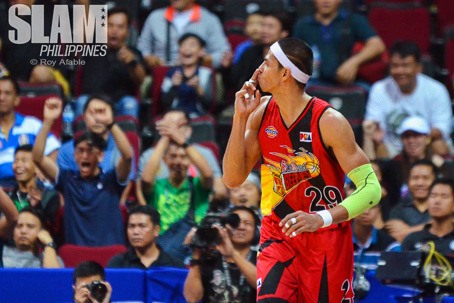 2016-17 PBA Philippine Cup Semis SMB-TnT game 6 pic 2 by Roy Afable