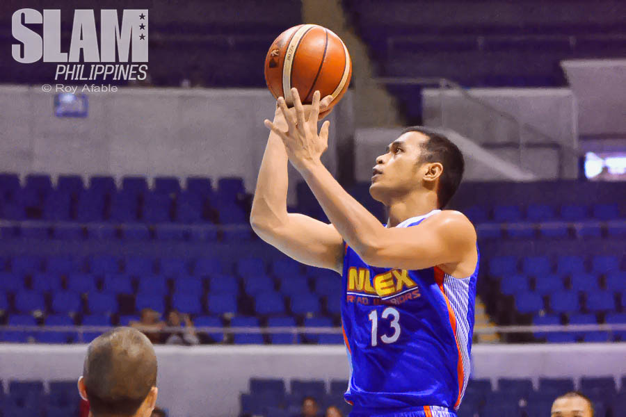 2017 PBA Commissioners Cup NLEX-Mahindra pic 9 by Roy Afable