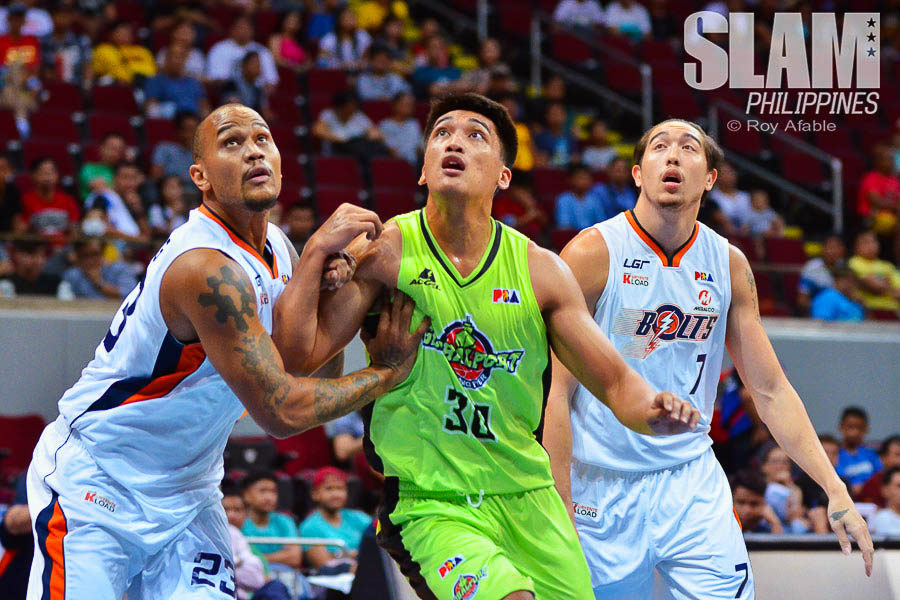 2017 PBA Commissioners Cup GlobalPort-Meralco pic 9 by Roy Afable