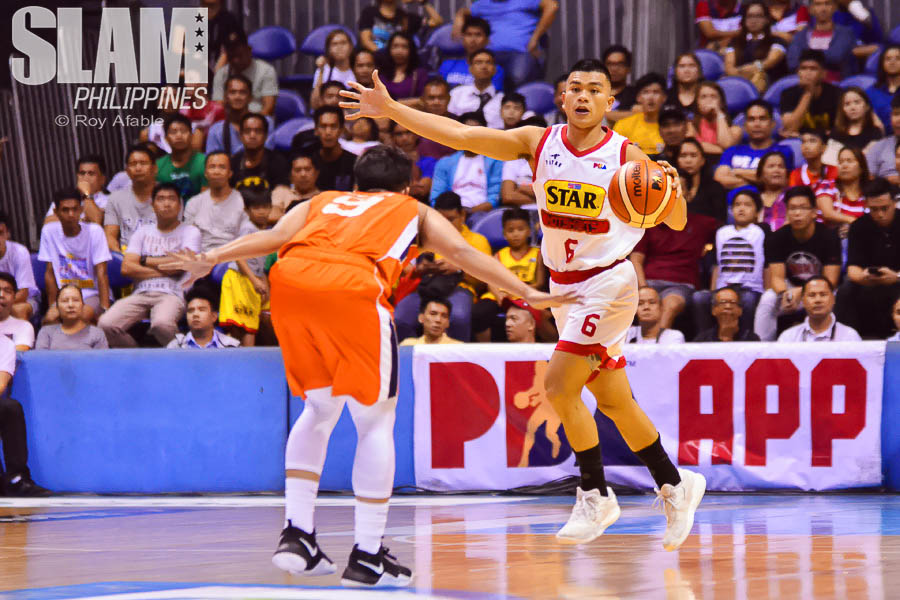 2017 PBA Commissioners Cup Meralco-Star pic 11 by Roy Afable