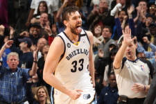 VIDEO: Marc Gasol shows off his heading skills
