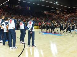 VIDEO: New Zealand's pre-game haka dance confuses Team USA