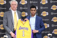 Lakers roll with Russell – despite advocating for big men, D'Angelo fits in LA
