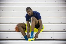 PHOTO: Kevin Durant shares his thoughts post-surgery
