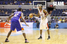 Mark Macapagal shoots down NLEX from out of nowhere
