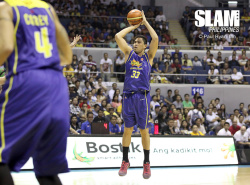 Talk 'N Text continues to roll, drops Rain or Shine in game one of the Finals