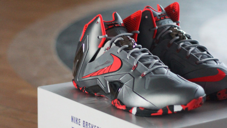 SLAM SNEAKER REVIEW: TONY DELA CRUZ AND THE NIKE LEBRON XI ELITE