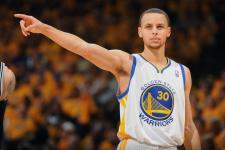 LOOK: Size don't matter? Stephen Curry beats Dwight Howard for offensive board