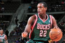VIDEO: Khris Middleton's desperation shot defeats the Miami Heat