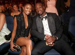 VIDEO: Gabrielle Union videobombs Dwyane Wade during interview