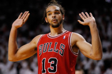 VIDEOS: Joakim Noah and Aaron Gordon always go hard