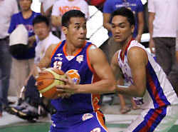 LOOK: Garvo Lanete lights it up in practice, hits 19 and 23 straight triples
