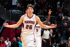 VIDEO: Kyle Korver drops 11 points in 65 seconds