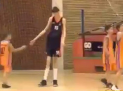 VIDEO: 7'4″ 13-year-old looks to be the future of Romanian hoops